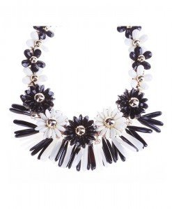 Colier Flower black/white - Genti > Accesorii -