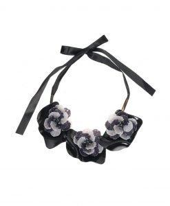 Colier negru cu flori gri Negru - Accesorii - Accesorii / Coliere