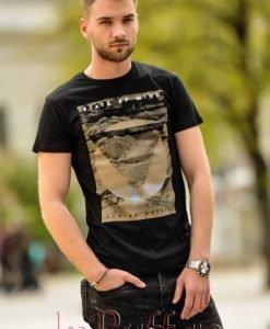 Tricou negru de barbat cu imprimeu - Haine barbati - Haine barbati > Tricouri Barbatesti