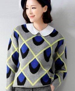 BL247-4 Bluza cu maneci lungi si model paun - Bluze - Haine > Haine Femei > Bluze > Bluze