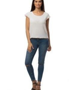 Bluza alba din bumbac cu model floral CSF-109 - Bluze si topuri -