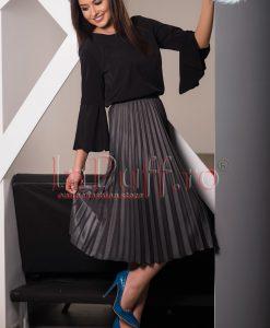 Bluza dama neagra cu maneca evazata - BLUZE -
