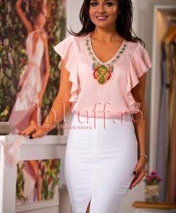 Bluza de vara roz cu margele aplicate la gat - BLUZE -