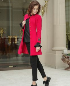 Trench elegant Artista rosu in clos cu insertii de broderie - Trenciuri -