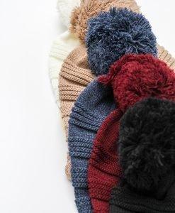 Caciula cu ciucure Wintertime - FEMEI - ACCESORII