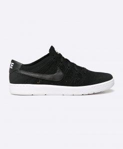 Nike Sportswear - Pantofi TENNIS CLASSIC ULTRA FLYKNIT - Încălţăminte - Pantofi sport şi tenişi